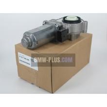 Серводвигатель раздаточной коробки BMW 27107566296 (кузов E53, E83, E83N)