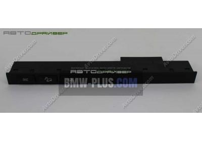 Блок переключателей в центральной консоли BMW X5 61318373733