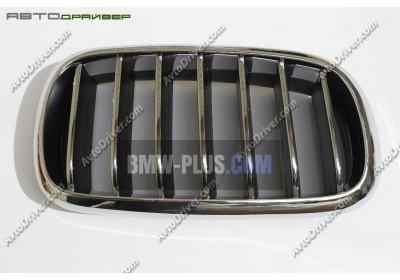 Декоративная решетка передняя правая BMW 51137316062