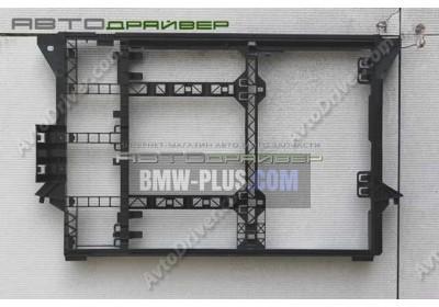 Кассера радиатора BMW 5' E39 17111740796