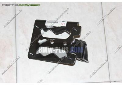 Крепление поперечной балки левое BMW 41118402827
