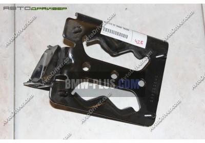 Крепление поперечной балки правое BMW 41118402828