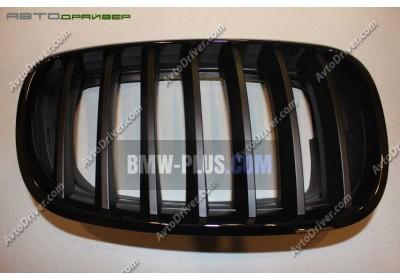 Решетка радиатора черная правая BMW 51712150246